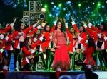 Kareena Kapoor Khan S Dance Tribute Salman Shahrukh Aamir