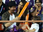 Kkr Beats Gujrat Lions Shahrukh Khan Abram Spotted At The Match See Pictures