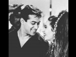 Biwi No 1 Completes 20 Years Karisma Kapoor Shares A Throwback Picture With Salman Khan