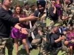 BSF जवानों के साथ जमकर नाचे अक्षय कुमार और परीणिति चोपड़ा- केसरी प्रमोशन का वीडियो Viral