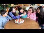 करिश्मा कपूर के जन्मदिन पर केक का मजा लेते तैमुर अली खान- क्यूट सी तस्वीर VIRAL