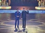 राजकुमार हिरानी ने '3 इडियट्स' के लिए जीता 'बेस्ट डायरेक्टर इन द लास्ट 20 इयर्स' का पुरस्कार!