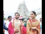 Pics: शादी की पहली सालगिरह पर रणवीर दीपिका ने परिवार के साथ किए तिरूपति बालाजी के दर्शन