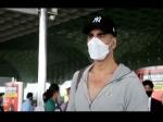 VIDEO बेलबॉटम की शूटिंग के लिए एयरपोर्ट पहुंचे अक्षय कुमार, फोटोग्राफर को कहा दूर रहो मुझसे