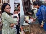 स्वरा भास्कर की नेक पहल, कचरे के ढेर में मिली बच्ची से मिलने पहुंची-डोनेट किए बेबी केयर प्रोडक्ट्स
