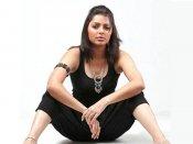 भूमिका चावला की फिल्म 'ओकाडू' का हिंदी रीमेक