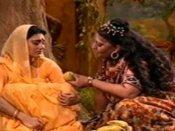 आयुष्मान खुराना की सास नहीं, ये हैं रामायण की त्रिजटा - सीता दीपिका चिखलिया ने खोला राज़