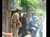 कंगना रनौत के ऑफिस पर BMC ने चलाया हथौड़ा, हाल जानने पहुंचीं बहन रंगोली चंदेल, तस्वीरें वायरल
