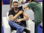 संजय दत्त ने लगवाया Covid Vaccine का पहला डोज़, शेयर की नए लुक में तस्वीरें