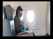 रवीना टंडन ने खुद सैनिटाइज की अपनी सीट, Video में बोला- मास्क पहने रहें, देश में सबसे ज्यादा कोरोना