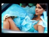 सेक्सी सुपरस्टार निया शर्मा ने कातिलाना लुक से लगाई आग, अकेले में देखिए ये हॅाट एंड सेक्सी तस्वीरें