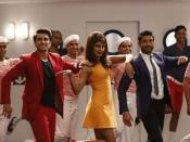Twitter Review करन, आमिर ने भी बोला 'दिल धड़कने दो'!