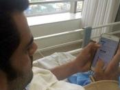 चाहे घर, सेट या हो अस्पताल..ट्वीट तो करना बनता है!