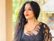 Video भोजपुरी एक्ट्रेस मोनालिसा ने हुकअप सांग पर किया ऐसा सेक्सी डांस, देखते रह गए लोग