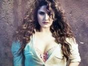 ज़रीन खान ने पोस्ट की स्ट्रेच मार्क्स वाली तस्वीरें, लोगों ने किया ट्रोल, अनुष्का शर्मा ने दिया साथ