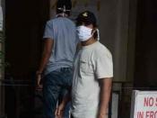 एक्टर रणदीप हुडा मुंबई के ब्रीच कैंडी अस्पताल में भर्ती