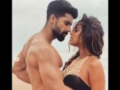 ब्लैक बिकिनी में रवि दुबे के साथ निया शर्मा का सेक्सी रोमांस, आग लगा रही है ये बवाल तस्वीर