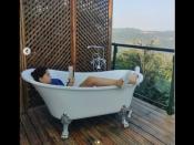 आमिर खान की बेटी इरा ने बाथटब में दिखाया जलवा, शेयर की बिकिनी में खास तस्वीरें