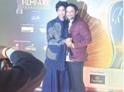 इरफान के बेटे बाबिल ने लिए उनके दोनों फिल्मफेयर अवार्ड, बांटी पिता के अलावा फेवरिट एक्टर्स की लिस्ट