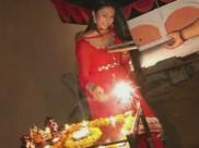 पटाखे चलाकर दिव्यांका त्रिपाठी ने मनाई प्री दीवाली पार्टी