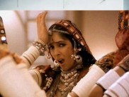 'चोली के पीछे' गाने में पहनाई गई थी हैवी पेडिड ब्रा, सुभाष घई की डिमांड से शर्मिंदा हो गई थी- नीना गुप्ता