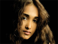 Jiah Khan desperate for attention