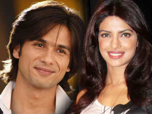 Shahid Kapoor wants to get closer to Priyanka Chopra