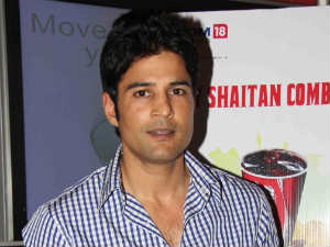 Don't compare me with Amitabh Bachchan says Rajeev Khandelwal