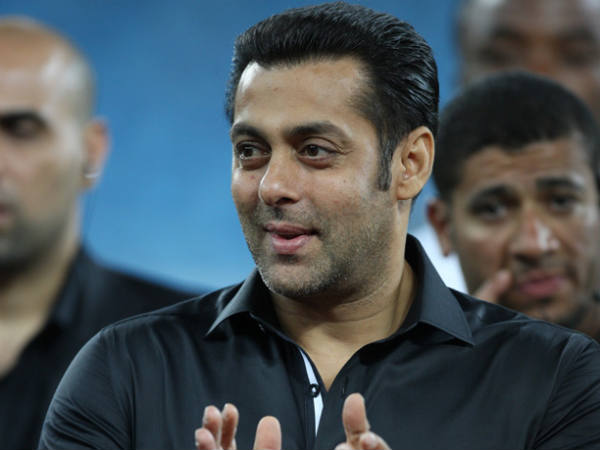 सलमान ने बढ़ा दी चेन्नई-मुंबई के मैच की रौनक