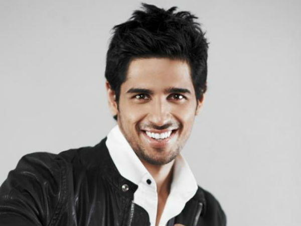 Love at first sight for Siddharth Malhotra