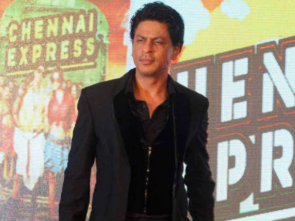 Shahrukh Khan enjoys time with 'Happy New Year' co-stars
