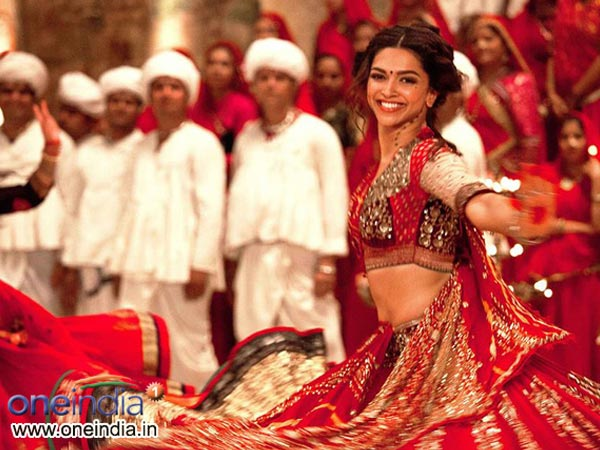Deepika Padukone's garba moves in the new song of Ram Leela, its hot