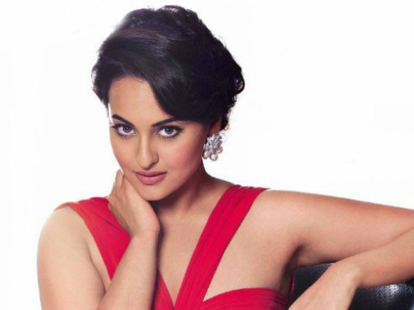 Sonakshi Sinha feels that she and her mother, Poonam Sinha, are misfits in their Family why?