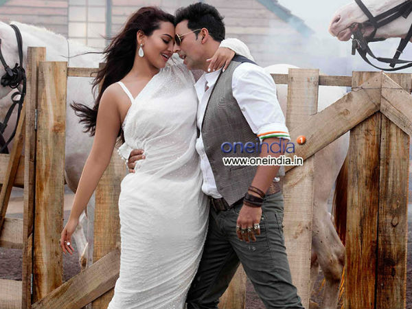 Akshay Kumar is happy with the first day response to his film Boss