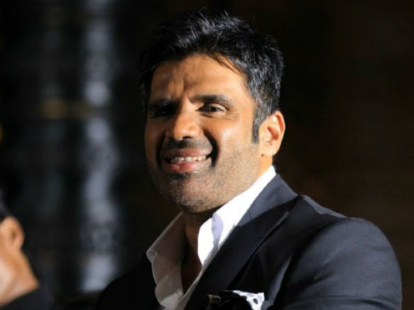 Sunil Shetty is real Hero said Nepali Media because He pays for treatment of his guard's girl
