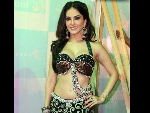 Porn star Sunny Leone refuses to go topless for 'Ragini MMS 2'