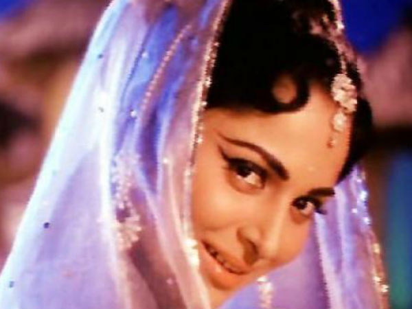 Veteran actress Waheeda Rehman to get inaugural film personality award, Fans Happy