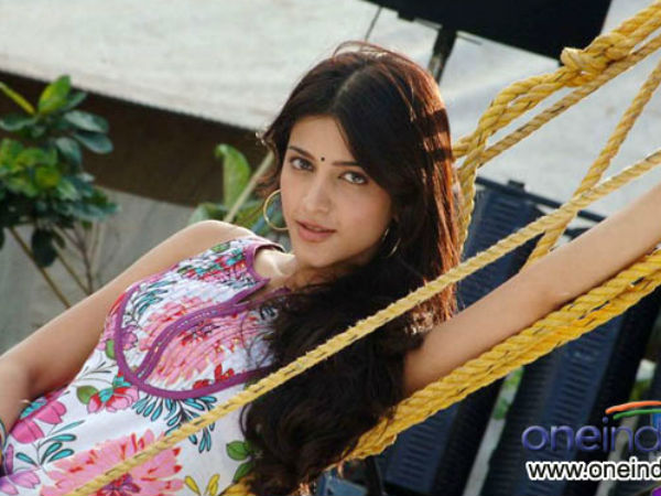 Spot boy held for 'stalking' Shruti Haasan