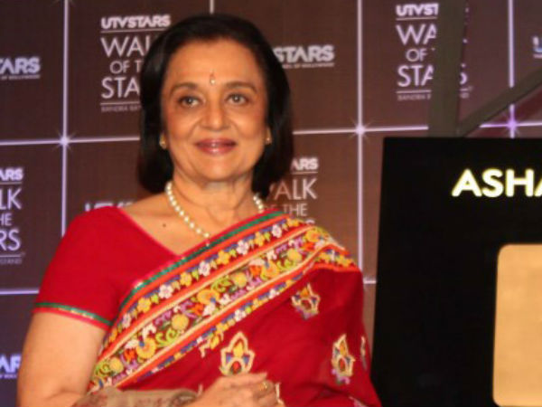 I'm still waiting to work with Dilip Kumar: Asha Parekh
