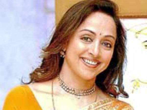 Dharmendra is still child-like: Hema Malini