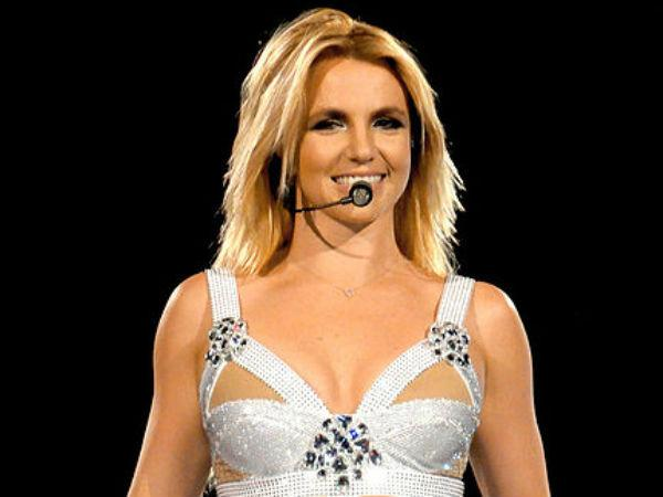 Hot Britney Spears evaded wardrobe malfunction