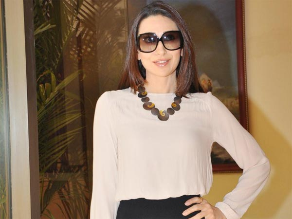 Karisma Kapoor will do an item number in Gabbar movie