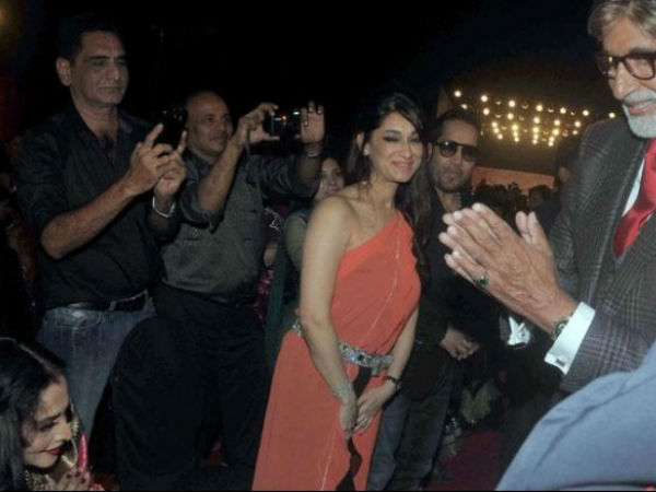 The moment we never thought we'd see: Amitabh Bachchan greets Rekha in public