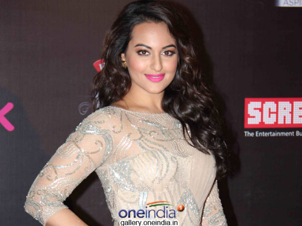 Sonakshi Sinha Turns Down Mani Ratnam's Next Movie because of Aishwarya Rai