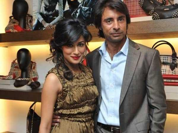 Chitrangada Singh Divorces Golfer Husband Jyoti Randhawa, son custody has been granted to Chitrangada.