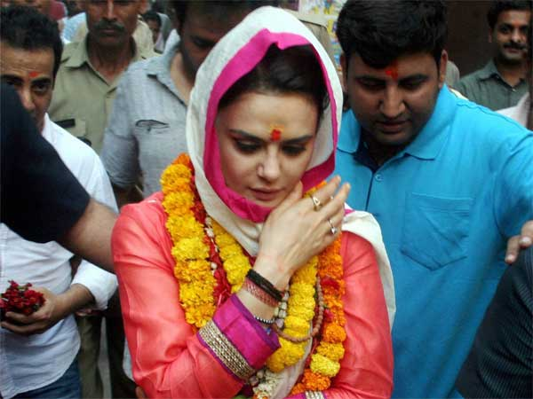 Preity Zinta says she went to Varanasi to visit temple not for party promotion