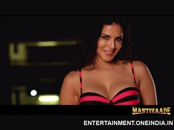 Video: Sunny Leone's Racy Warning In Mastizaade Teaser