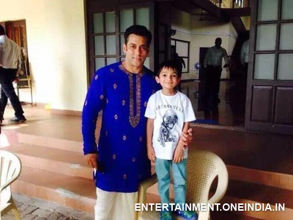 Prem Ratan Dhan Payo First Look Out: Salman Khan is looking very handsom in Dhoti-Kurta