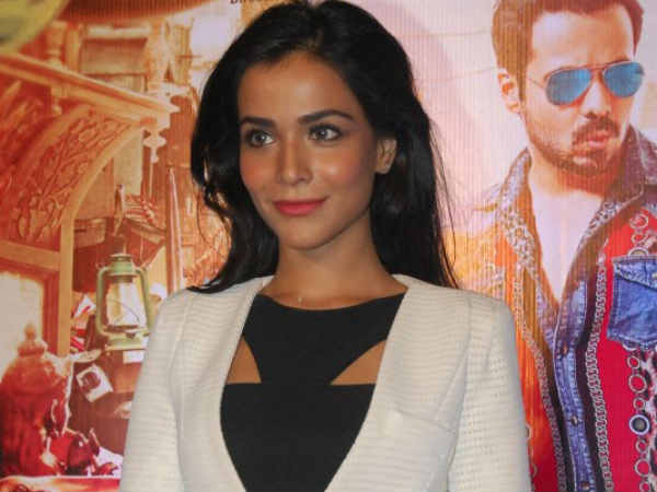 Humaima talks about kissing scene with Emraan in Raja Natwarlal