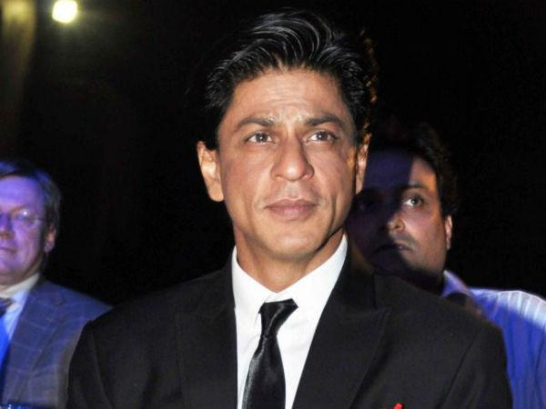 Shahrukh Khan's Dance with Woman Police Officer Draws Opposition Ire